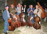 Double-basses in Draguć